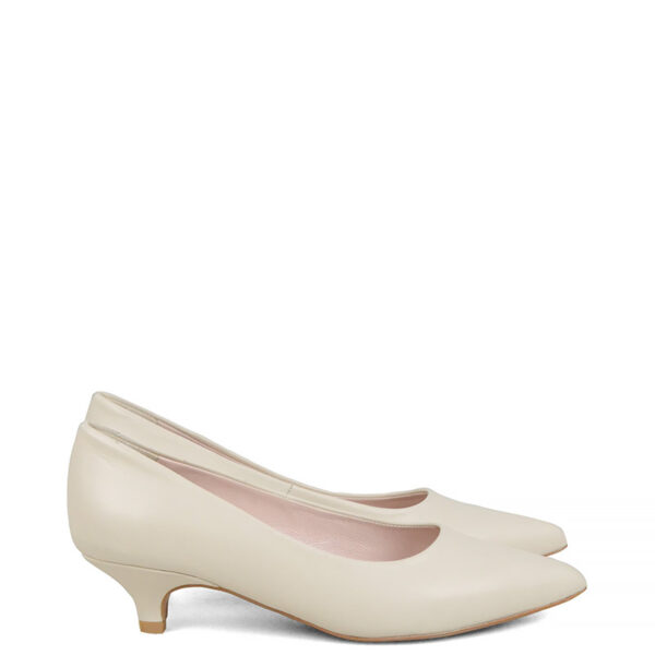 GASSU JESSICA - kremowe buty na niskim obcasie